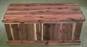quilt sized aromatic cedar chest, vertical style, wood top